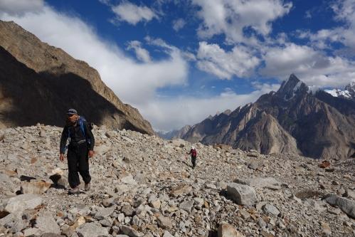 Climbing Biafo moraine