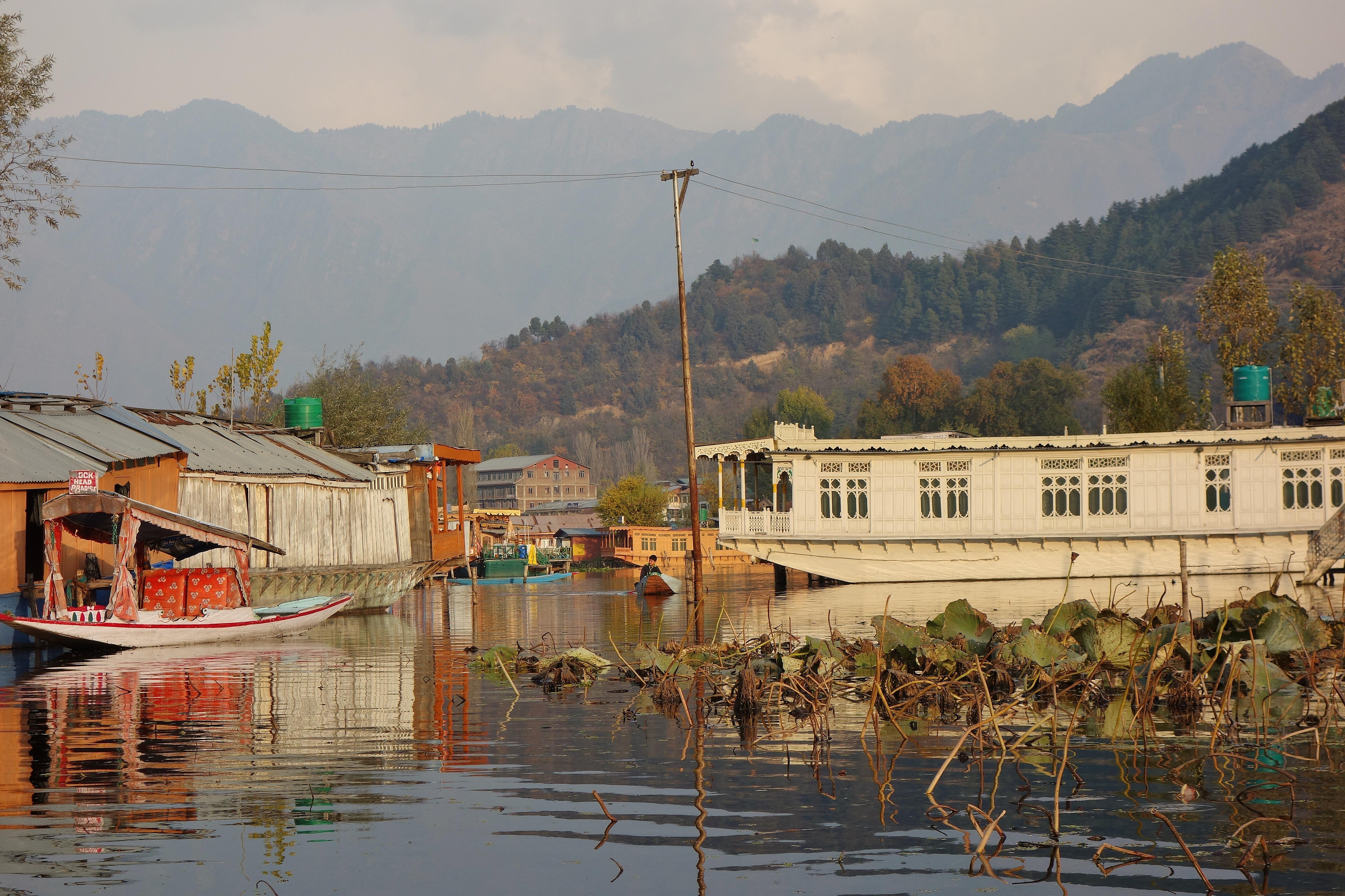 Kashmir Houseboats Information Kashmir Houseboats